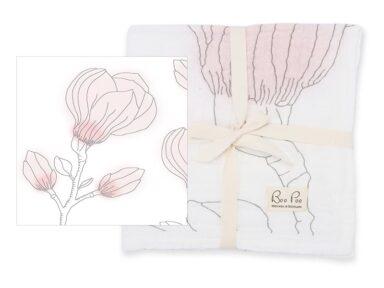 GOTS Spucktuch mit Magnoliablüte